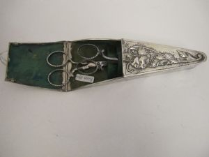 small scissor box 1904