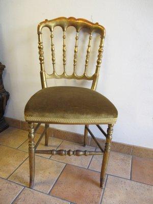 Agli archi rosa vigevano mobili sedie pouf e poltrone for Chiavarina sedia